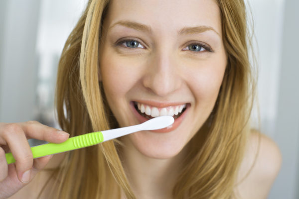 Регулярно чистите зубы.